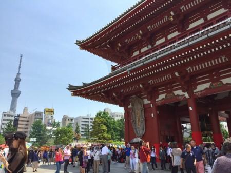 Tokyo sky tree and hozo mon gate in Asakusa