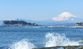 Mt.Fuji and Enoshima island at Inamuragasaki