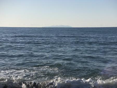 Izu Oshima island from Inamuragasaki