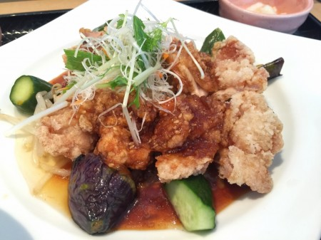 Deep-fried marinated chicken in Ootoya