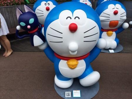 Doraemon カムカムキャット Bring people cat