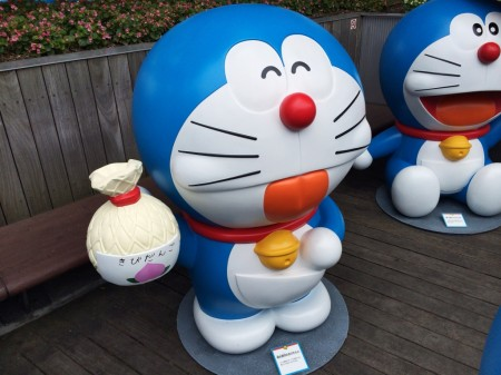 Doraemon 桃太郎印のきびだんご Manipulate animal dumpling