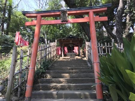 Maruyama Zuishin Inari Daimyojin in Shiba koen park