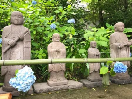 Jizo with hydrangea at Meigetsuin in Kamakura