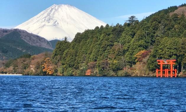 Mount Fuji and Torii gate in Lake Ashi in Hakone